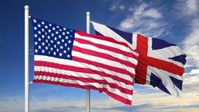 Drapeaux de ondulation des Etats-Unis et du R-U sur le mât de drapeau Image libre de droits