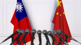 Drapeaux de Ta?wan et de la Chine ? la conf?rence de presse internationale de r?union ou de n?gociations animation 3D banque de vidéos