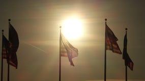 Drapeaux des Etats-Unis au crépuscule Photo libre de droits