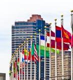 Drapeaux des membres de l'ONU à New York Images libres de droits