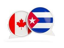 Drapeaux du Canada et du Cuba ? l'int?rieur des bulles de causerie illustration stock