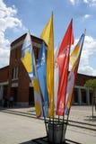 Drapeaux du jour 2016 de la jeunesse du monde dans le sanctuaire de la pitié divine dans Lagiewniki Cracovie Photos libres de droits