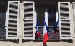 Drapeaux français à l'appui d'équipe de football française Photo libre de droits