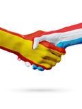 Drapeaux pays d'Espagne, Luxembourg, concept de poignée de main d'amitié d'association illustration 3D Photos stock