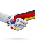 Drapeaux pays de Corée du Sud, Allemagne, concept de poignée de main d'amitié d'association Photographie stock