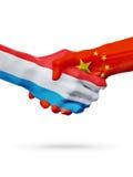 Drapeaux pays de luxembourgeois, Chine, concept de poignée de main d'amitié d'association Photo libre de droits