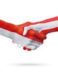 Drapeaux pays de Monaco, Autriche, concept de poignée de main d'amitié d'association Photo stock