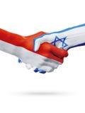 Drapeaux pays de Monaco, Israël, concept de poignée de main d'amitié d'association Photo libre de droits