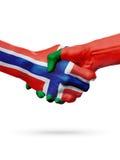 Drapeaux pays de Norvège, Portugal, concept de poignée de main d'amitié d'association Photos stock