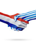 Drapeaux pays de Pays-Bas, Grèce, concept de poignée de main d'amitié d'association Image libre de droits