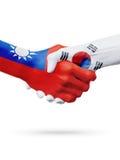 Drapeaux pays de Taïwan, Corée du Sud, concept de poignée de main d'amitié d'association Image stock