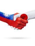 Drapeaux pays de Taïwan, Japon, concept de poignée de main d'amitié d'association Images stock