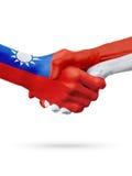 Drapeaux pays de Taïwan, Monaco, concept de poignée de main d'amitié d'association Images stock