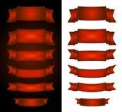 Drapeaux rouges de cirque sur le fond noir et blanc Images stock