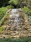Draperende waterval stock foto