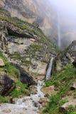 Draperende waterval in het dorp Laza, Gusar-gebied van Azerbeidzjan Stock Foto