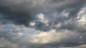 Drastische Atmosphärenpanoramaansicht des blauen Himmels stock footage