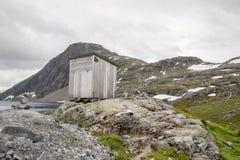 Drastische Berglandschaft in Skandinavien Lizenzfreies Stockfoto