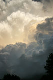 Drastische Gewitter-Wolken entwickeln sich direkt oben in Süd-Kansas Lizenzfreies Stockbild