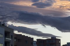 Drastische Himmelwolken Stockfoto