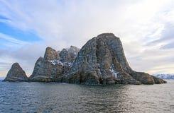 Drastische Insel in der hohen Arktis Lizenzfreie Stockfotos