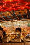 Drastische Leuchten auf einer bunten Karnevalsfahrt Stockbilder