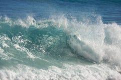 Drastische Shorebreak Welle Stockfotos