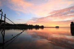 Drastische Sonnenuntergang-Wolken stockfoto