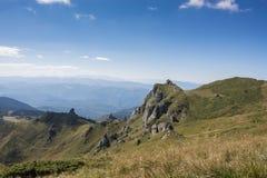 Drastische Spitze des felsigen Berges Lizenzfreie Stockbilder