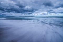 Drastische Sturmwolken Lizenzfreie Stockfotos
