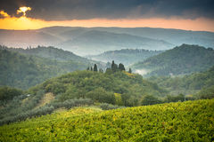 Drastische toskanische Abendlandschaft Stockbilder