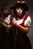 Drastische weibliche Piraten-Szene Stockfotos