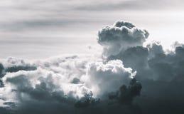 Drastische Wolke in desatuated Ton stockbilder