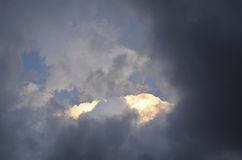 Drastische Wolken Lizenzfreie Stockbilder
