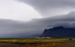Drastischer Himmel über Island Stockfotos