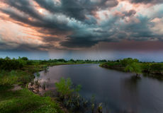Drastischer Himmel mit stürmischen Wolken Lizenzfreies Stockfoto