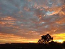 Drastischer Sonnenaufgang stockbild