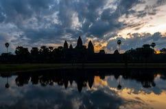 Drastischer Sonnenaufgang in Angkor Wat, Kambodscha stockfoto