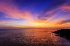 Drastischer Sonnenuntergang in Promthep, Phuket, Thailand Lizenzfreie Stockbilder
