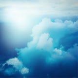 Drastischer stürmischer Himmel Weinlese-Effekt Stockfoto