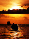 Drastischer warmer Sonnenuntergang Stockbild