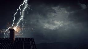 Drastischer Wetterhintergrund Gemischte Medien Lizenzfreie Stockfotografie