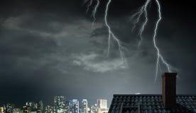 Drastischer Wetterhintergrund Gemischte Medien Stockfotografie