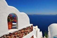 Drastisches Seepanorama in Santorini, Griechenland Stockfotografie