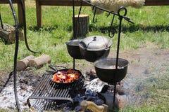 Draußen kochen Lizenzfreie Stockfotos