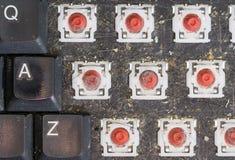 Draufsicht der abgebauten schmutzigen Tastatur, Makro Stockfotografie