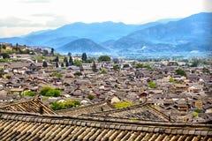 Draufsicht an der alten Stadt von Lijiang lizenzfreie stockfotos
