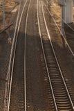Draufsicht der Bahngleise stockbilder