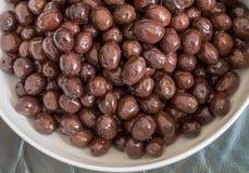 Draufsicht der essbaren organischen schwarzen Olive Stockbilder