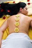 Draufsicht der Frau an der Badekurortrücksortierung Stockbild
